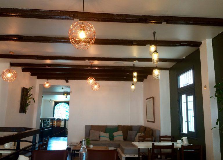 coffee-shop-de-bourbon-avis-bonne-adresse-saint-denis-97400-deco-etage