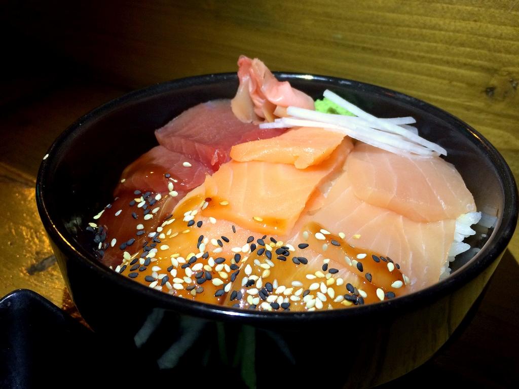 Bonne adresse sushi - yoko - Saint gilles les bains 97434 - chirashi trio