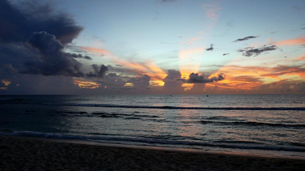 Coucher de soleil la reunion sauvage saint gilles 7