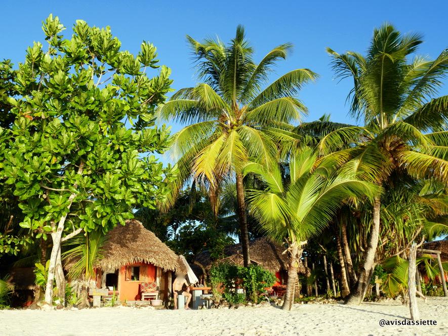 sambatra beach lodge voyage ile aux nattes madagascar bungalow 5