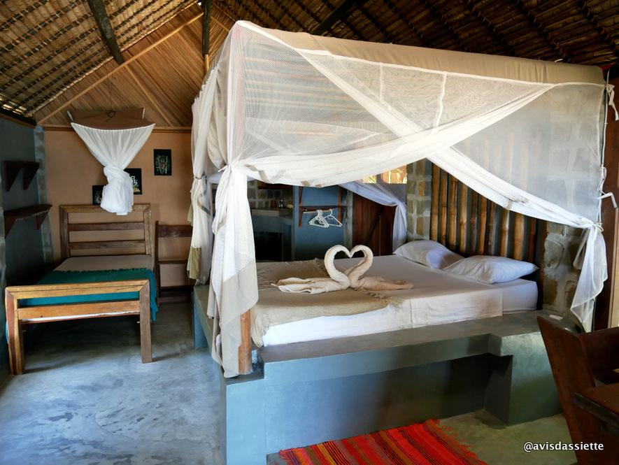 sambatra beach lodge voyage ile aux nattes madagascar bungalow