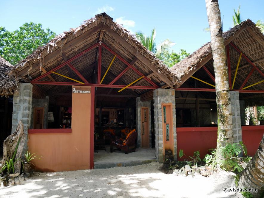 sambatra beach lodge voyage ile aux nattes madagascar restaurant
